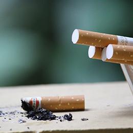 Estudio: Quiénes y cómo son los fumadores chilenos
