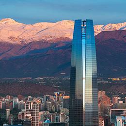 Estudio: Las 2 caras de Santiago