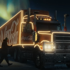Imagen de la Nota: Coca-Cola cumple 100 años  como sinónimo de Navidad