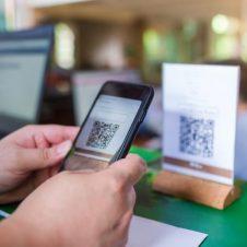 Imagen de la Nota: Se proyecta que US$ 7 billones de gastos de los consumidores pasarán del efectivo a tarjetas y pagos digitales hacia el 2023