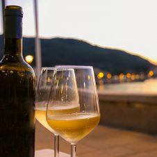 Imagen de la Nota: Cuatro vinos para refrescar tu verano en una terraza