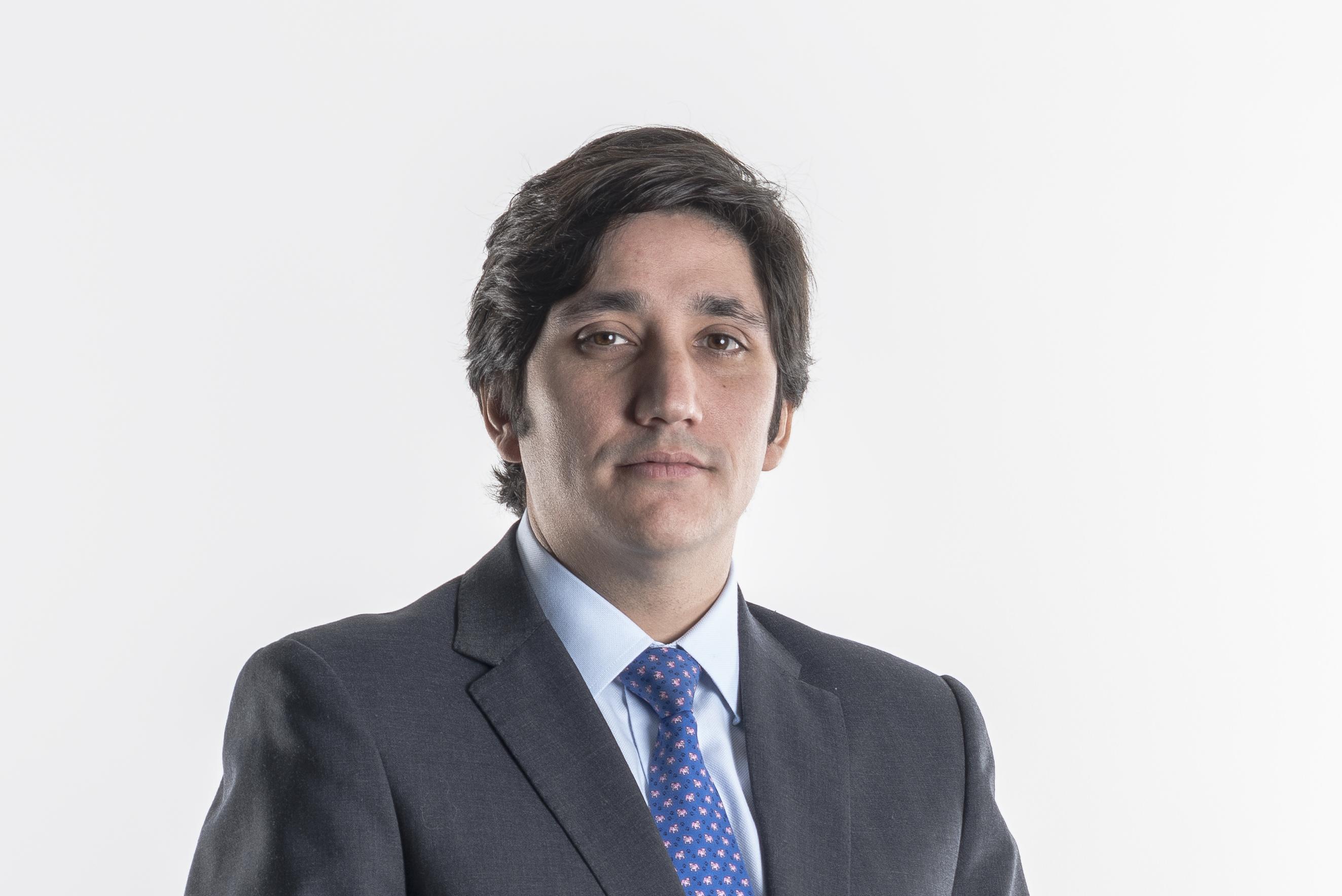 Javier Cerón, abogado ysocio del estudio Cariola Díez Pérez-Cotapos