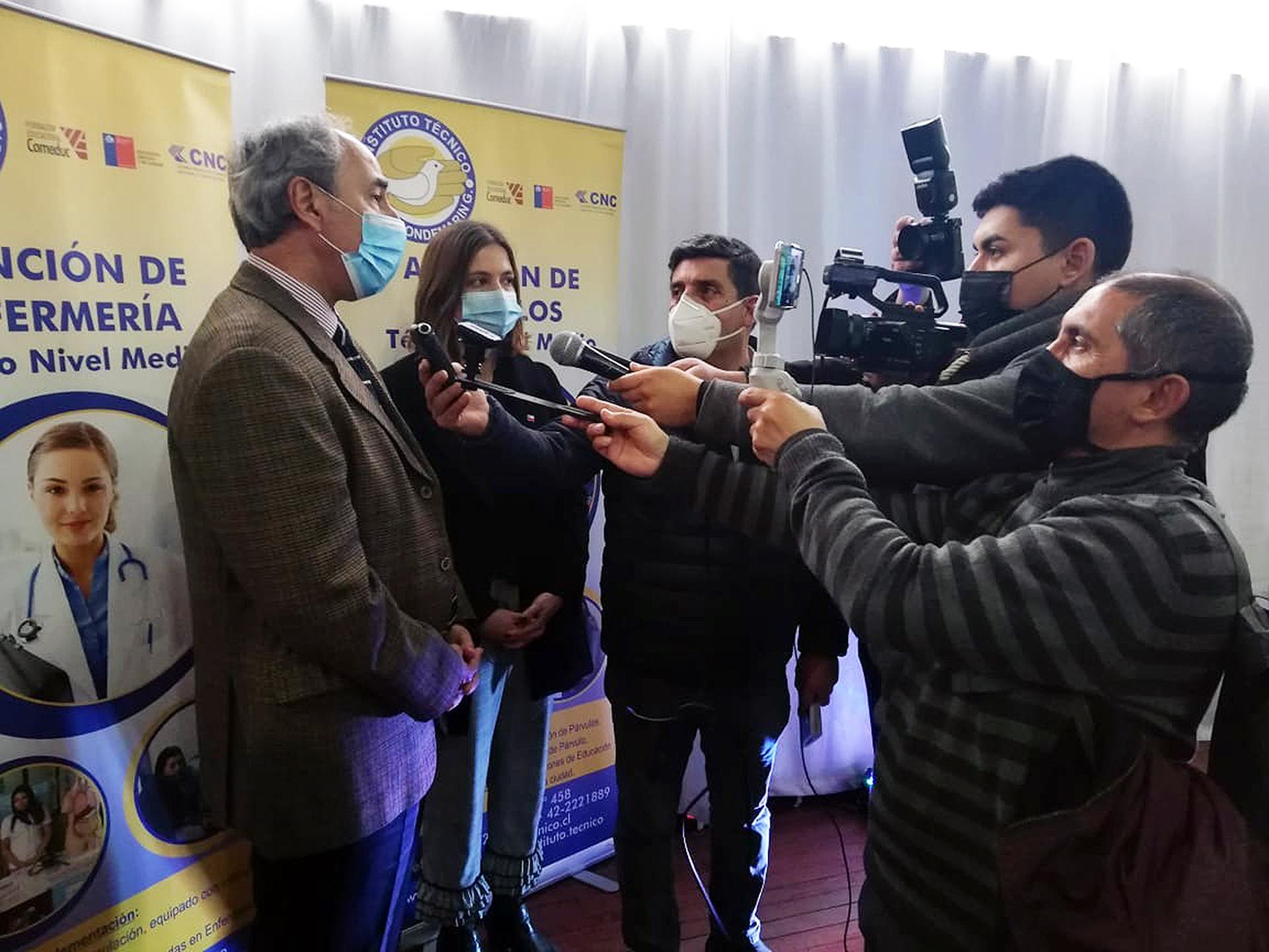 Ricardo Mewes, en gira por el sur del país, releva la importancia de la descentralización